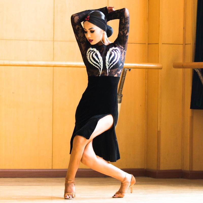Ropa de escenario Sexy encaje negro latino Tango Dancing Dailing Vestido Velvet Slit Falda de baile para mujeres adultas Salón de baile / Moderno / Qiaqia Práctica B0217