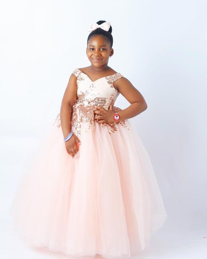 2020 sfera Abiti Girl Pink Lace fiore poco costoso abito di tulle Bambina abiti da sposa a buon mercato Comunione spettacolo degli abiti F3168