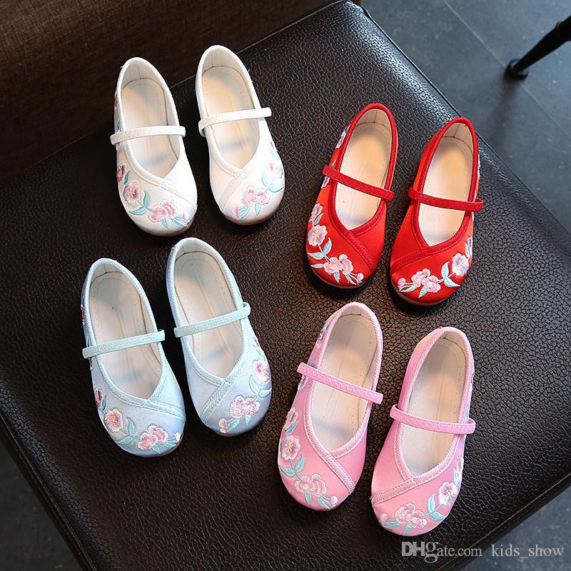 Bambini scarpe ricamate di stile cinese intrattenimento musiche e canzoni Ballerine Casual scarpe comode Bambini principessa cinese antica ricamati