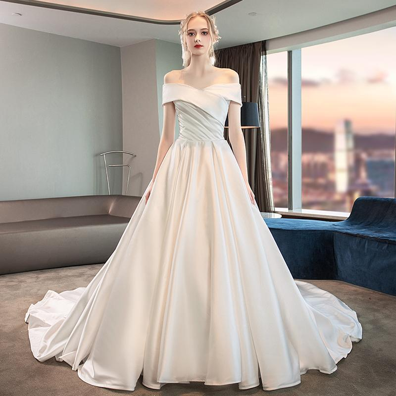 A word shoulder wedding dresses new bride contracted out yarn satin long trailing dream during the winter