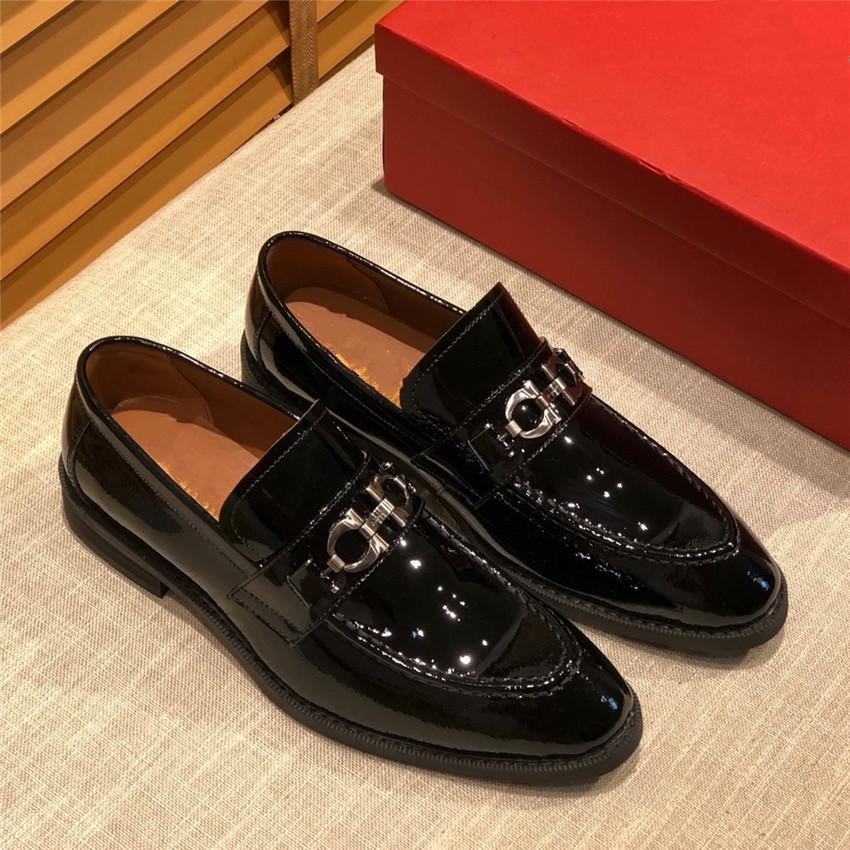 Chaussures formelles pour Homecoming mariage d'affaires cadeau de Noël de luxe 20SS Nouveaux Mode Hommes Métal brodé fleurs Chaussures Homme