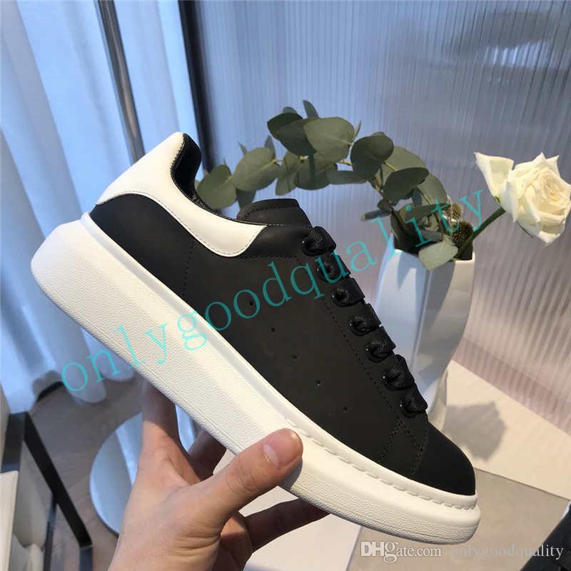 Cuero de alta calidad Negro Blanco Casual zapatos para mujer para hombre Zapatos de zapatos Hermosa ocasionales de la plataforma del cuero zapatillas de deporte de los colores sólidos Zapato de vestir