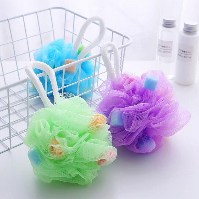 500pcs suave burbujas carrocería Esponja del baño de la bola del depurador de limpieza de redes ducha flor de malla Accesorios Suministros de baño toalla de lavado