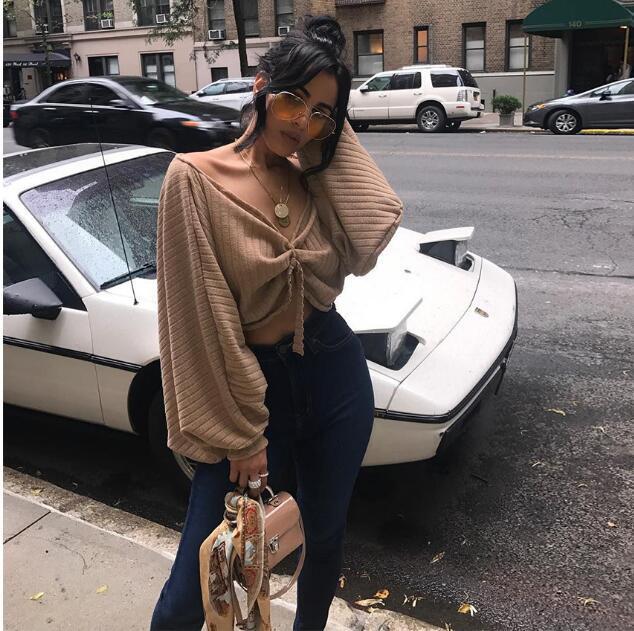 striscia tasca delle donne Maglieria Lanterna manica lunga maglione Nuovo stile di allentato superiore delle donne con un collare parola e posteriore aperta sexy