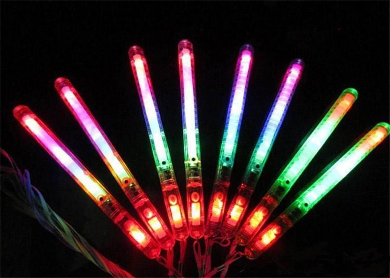 Yeni Yanıp sönen Wand LED Glow Light Up Çubuk Karakol Yanıp sönen Konser Parti Noel Tedarik Rastgele Renk b910 Yana