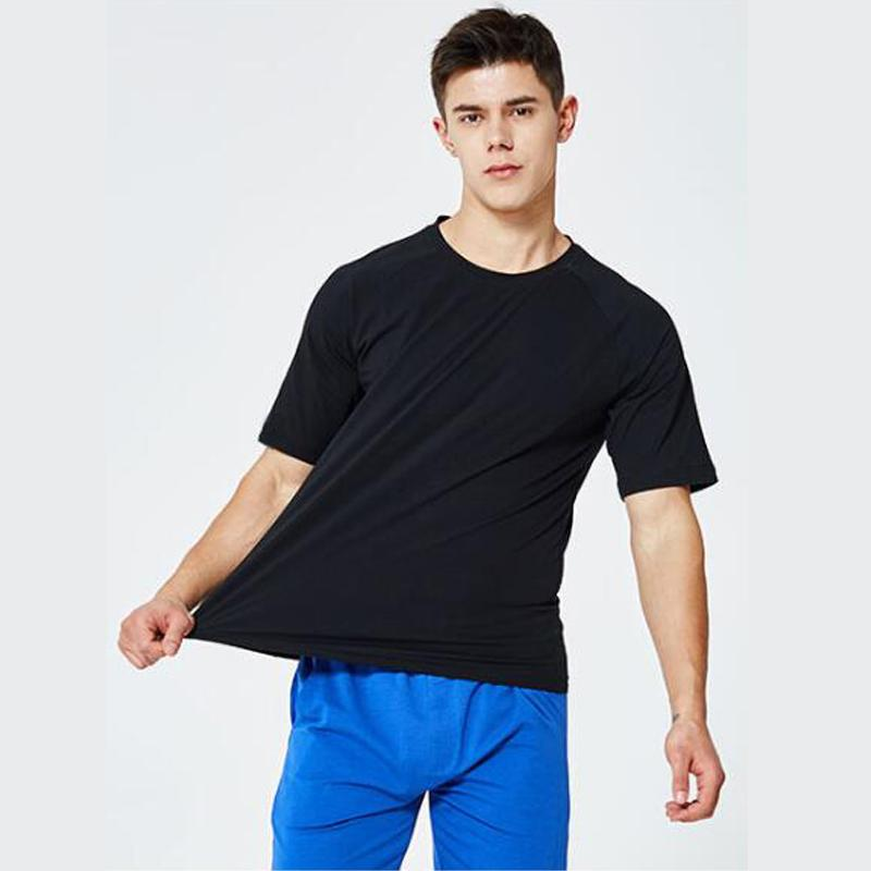 Mens-Sommer-Shirts Solid Color Loose Fit Teenager Mode Kurzarmhemden 2020 Sommer neue Art und Weise
