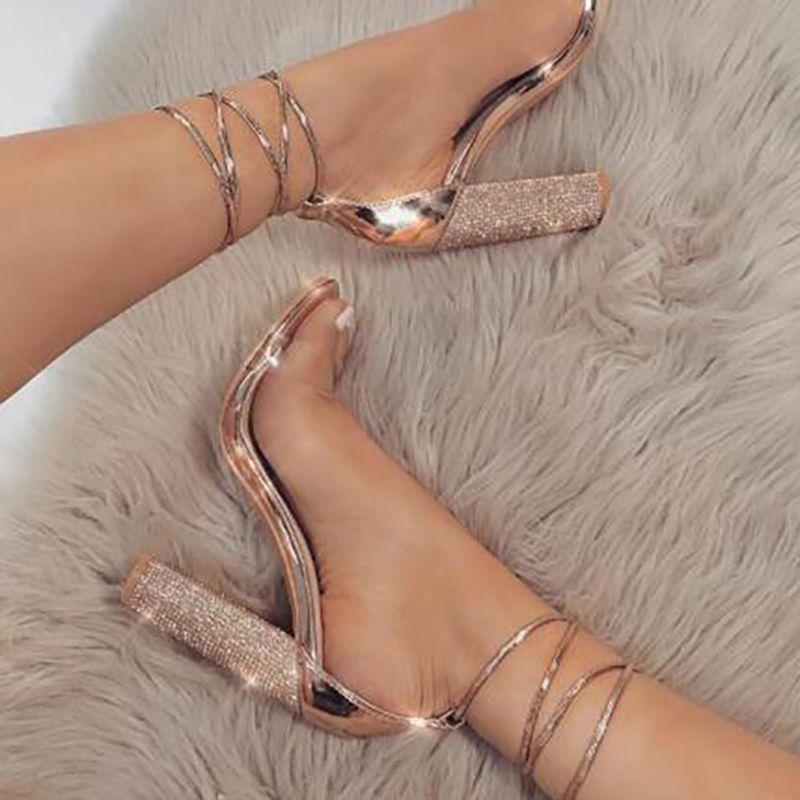 Sandalias del verano de lujo Plaza gladiador de las mujeres super altos talones la boda del partido atractivo de la correa de cristal del tobillo Zapatos De Mujer