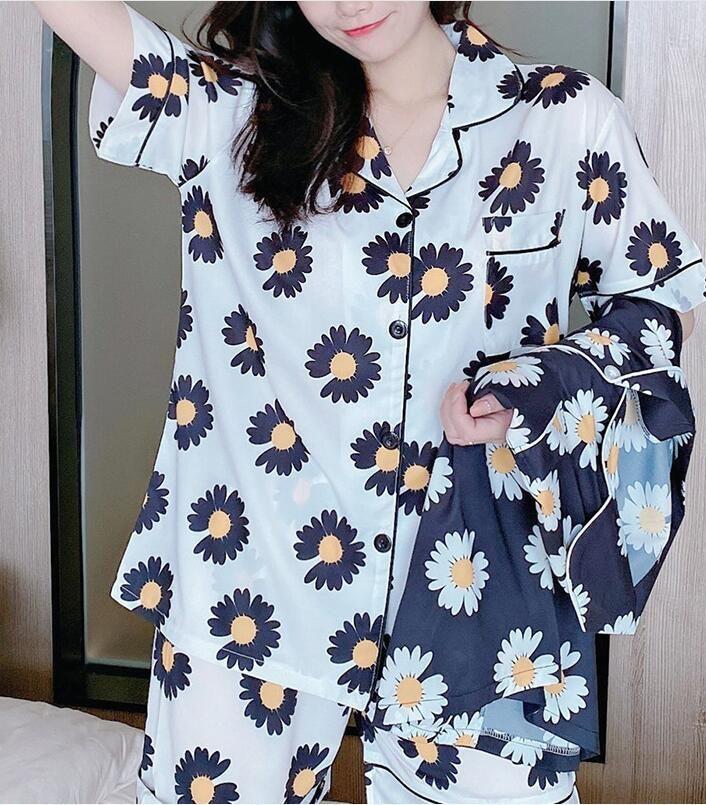 Ladies Flower Letter Style Lapel Pajamas Summer Ice Silk Short-sleeved Shorts Pajamas Trend Letter Printed Pajamas Ladies Home Service Suit