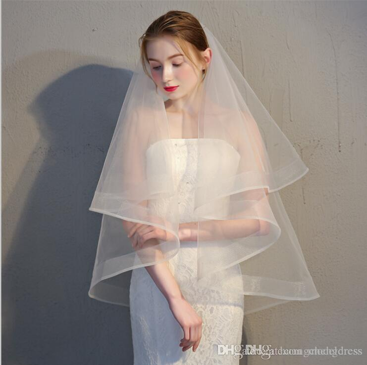 Ivory Short Bridal Veils Elegant Organza Tulle 2019 Real Pictures Wholesale Price White/Ivory Short Wedding Veils with Comb Accessories