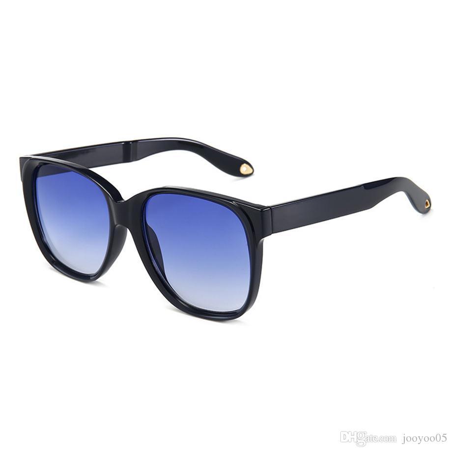 Nuevas gafas de sol de montura grande Gafas de sol calientes de moda con lentes de color teñido Gafas cuadradas para hombres y mujeres