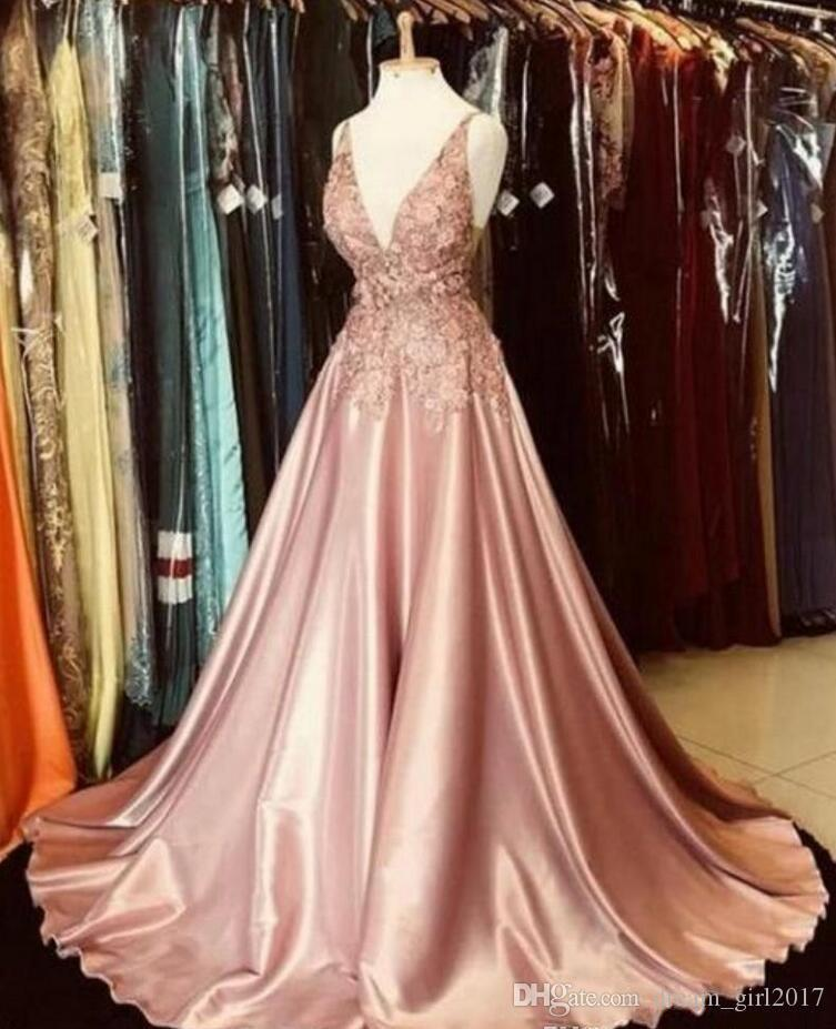 Stunning Blush Pink Prom Dresses Spaghetti Straps Sleeveless Lace Appliques Full Length Formal Party Gowns Special Occasion Evening Dress