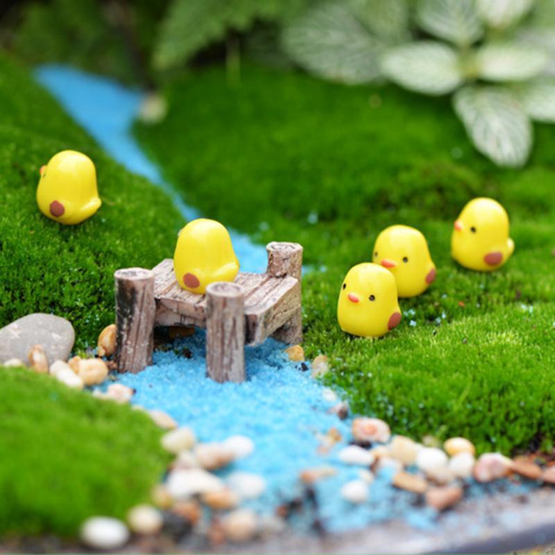 2019 Garden DIY Decoration Artificial Mini Animals Resin Craft Cock Yellow Chick Combination Bonsai Figurine Fairy Micro Landscape Ornament