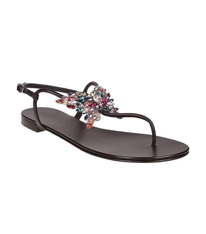 2019 Kadınlar tasarımcının sandal Kristal Kelebek takı Deri Burun Flat terlik yaz Plaj ayakkabıları Açık ayakkabı 9color büyük boyutu olmayan slip