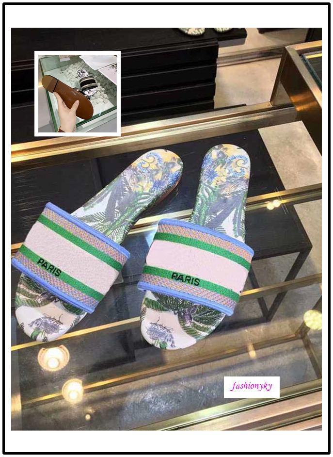 VENDITA CALDA NUOVO Dazzle Fiori Trendy Boemia Pantofole donna VENDITA CALDA formato Letter ricamo della signora Sandal 35