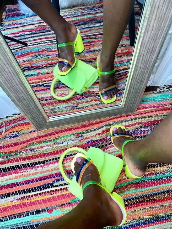 2019 kadın afrika yüksek topuklu şeker renk çizgili moda vahşi su geçirmez platformu tırmanmak terlik açık hava eğlence seksi PVC sandalet