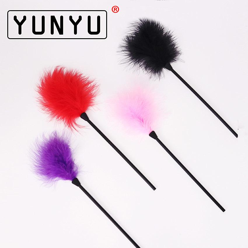 1PC Flirting Feather Black Feather Flirting Whip Sex Toys Flirt Soft Flogger for Couple Adult Game Sex Products C18112701