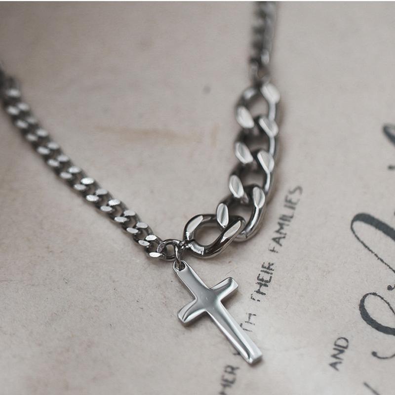 Collana d'acciaio di titanio Chunky Croce per le donne Minimalista Gioielli Uomo Donna preghiera collane girocolli regalo Colore Argento