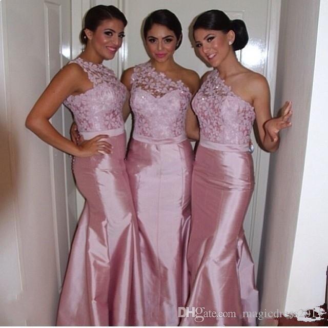 Sexy rose dentelle sirène robes de demoiselle d'une épaule Backless 2020 Custom Made longue de soirée Robes de bal demoiselle d'honneur pas cher