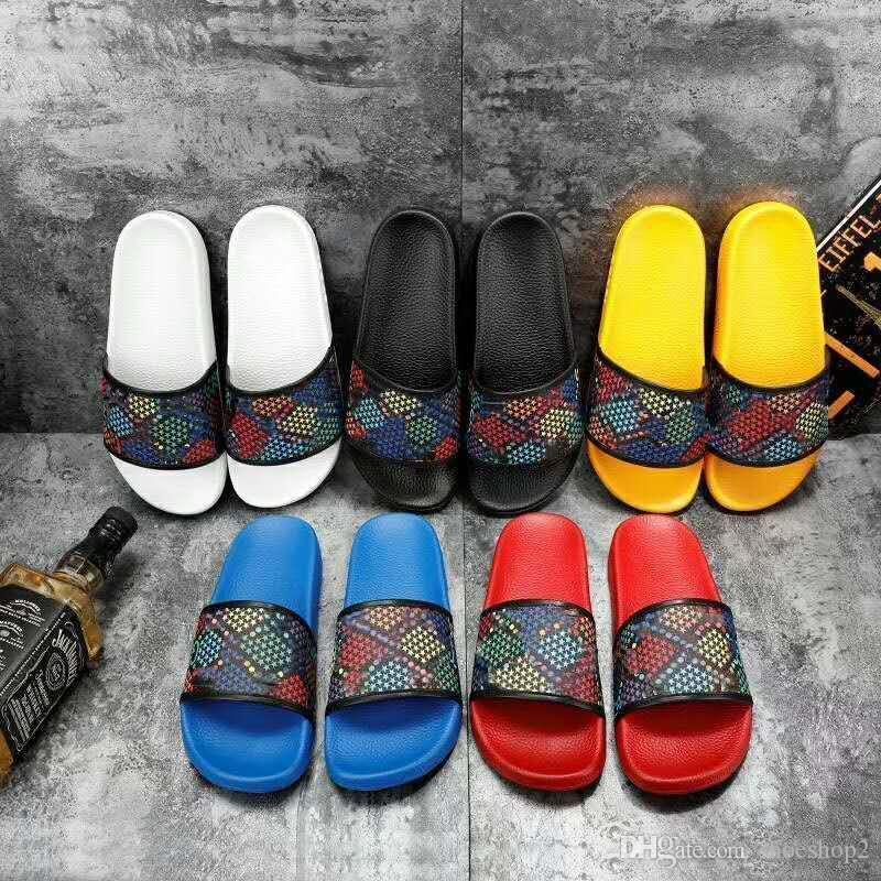 TOP 2020 hombres mujeres sandalias deslizantes zapatos de diseñador de lujo deslizante verano moda ancho plano resbaladizo con sandalias gruesas zapatillas chanclas