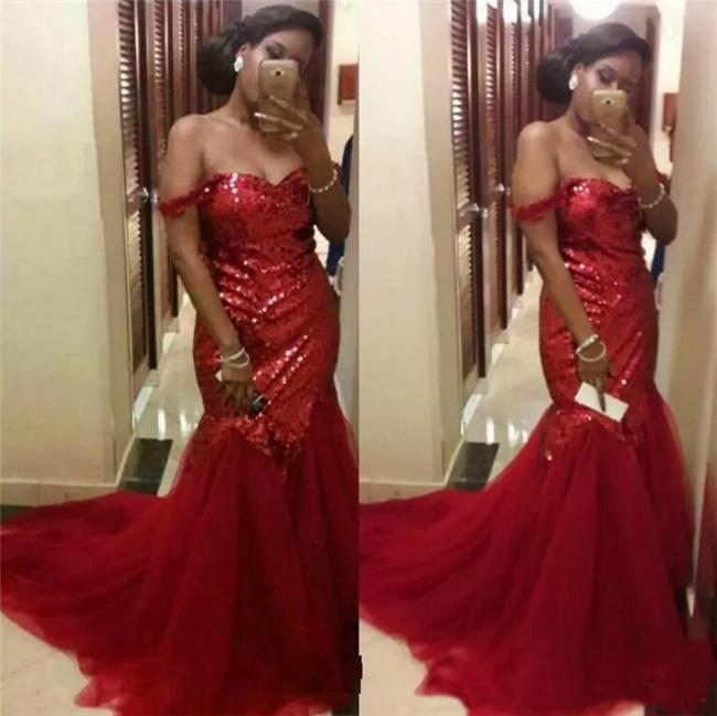 Rojo con lentejuelas vestidos de baile magnífico del hombro ocasión sirena vestidos de noche árabe largo de tul especial desgaste del partido formal