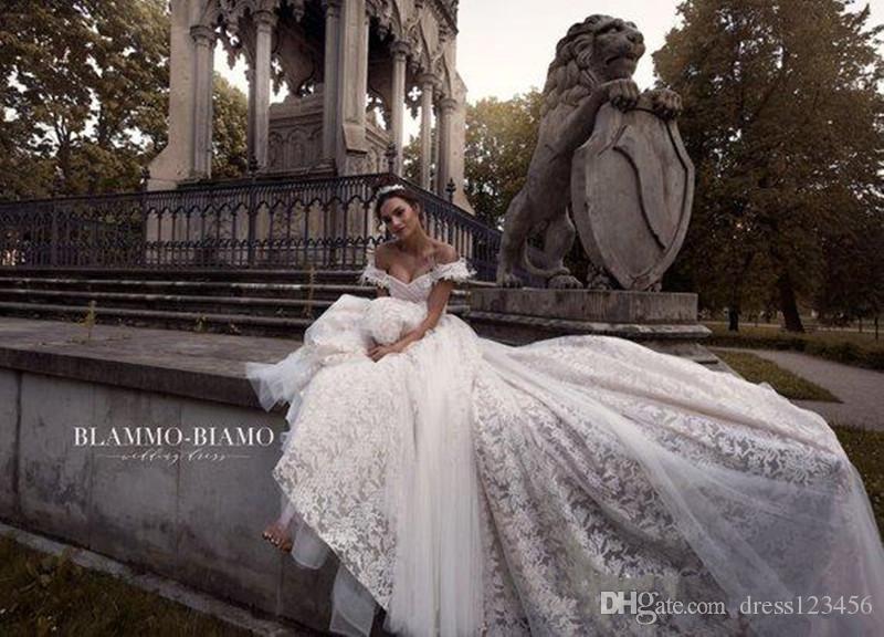Nuevos vestidos de fiesta sexy con hombros descubiertos Vestidos de novia de encaje sin espalda Vestidos de novia con plumas Vestido de fiesta de barrido con apliques abiti da sposa
