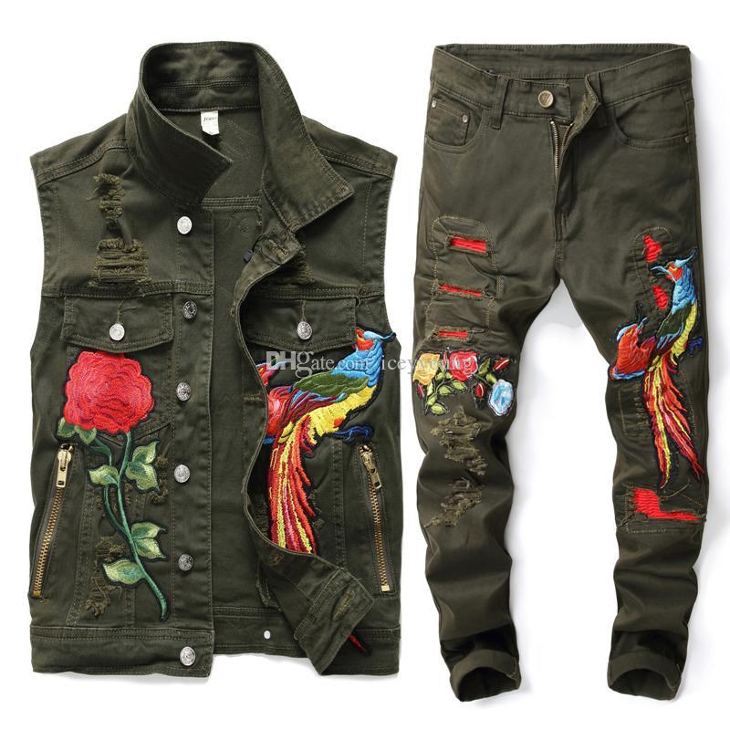 Nuovo Uomini verdi dell'esercito Imposta Moda primavera ricamato Phoenix Fiore Hole Distressed tuta di jeans gilet + ansima gli insiemi Abbigliamento Uomo 2 Pezzi