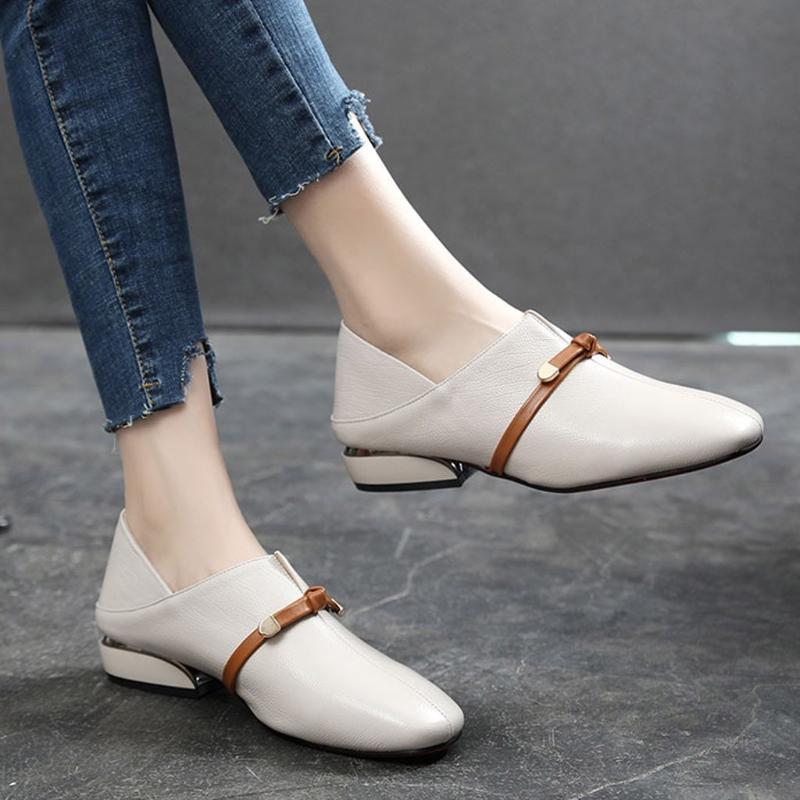 Le donne inglesi singoli pattini della bocca poco profonda piccole scarpe con tacco medio Piazza Primavera Toe in pelle donna morbida Bullock Donne
