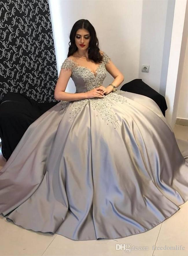 Modest Arabic Women Dresses Evening wear Dresses Cap Sleeves Gray Silver Lace Appliques Beaded Satin Ball Gown Plus Size Party Prom Gowns
