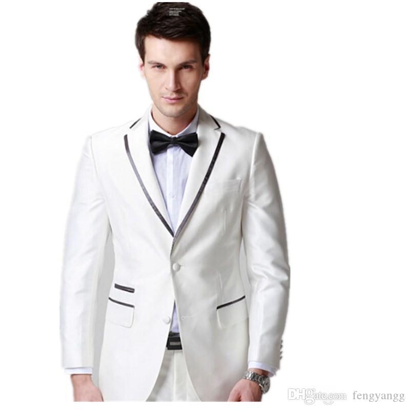 بدلة الزفاف الأبيض العريس الدعاوى 2 أزرار الشق التلبيب سترات وسروال مجموعة حفلة موسيقية البدلات الرسمية مخصص رفقاء العريس أفضل رجل البدلة الزي