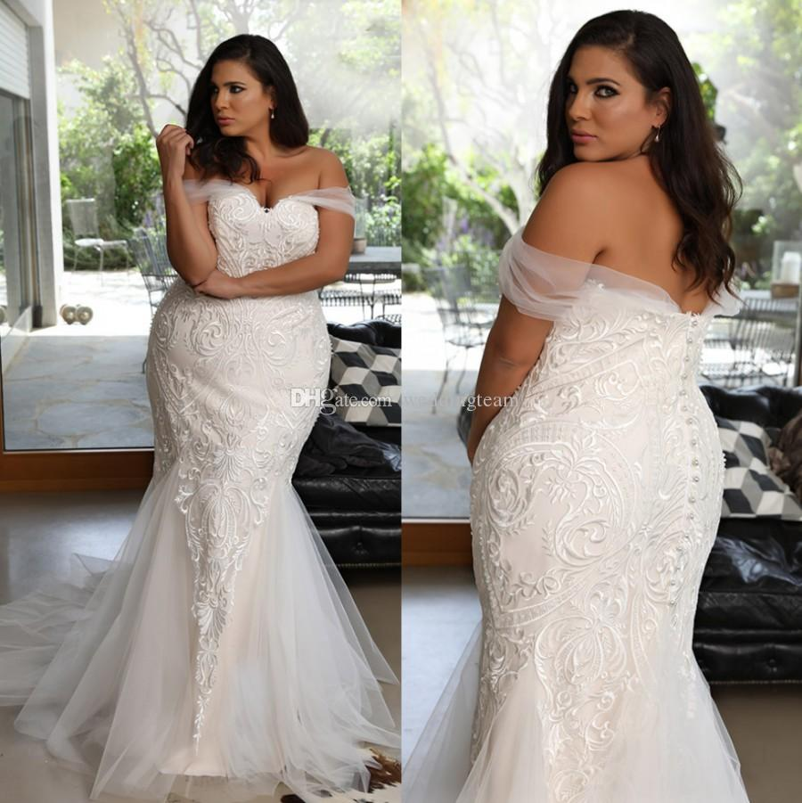 Amazing Plus Size Lace Mermaid Wedding Dresses Off The Shoulder Neck Bridal Gowns Covered Buttons Back Sweep Train Tulle robes de mariée