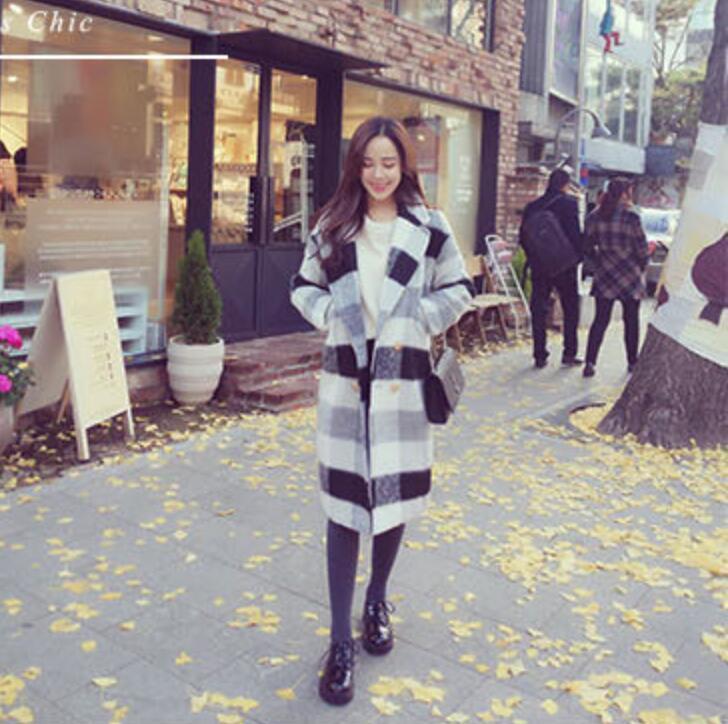 Novo casaco das mulheres de COAT preto e branco xadrez de lã seção longa solta selvagem grosso outono e inverno