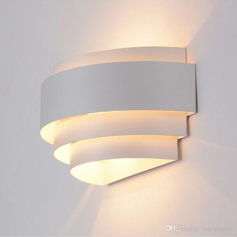 الحديث LED الحديد الجدار مصباح غرفة نوم بجانب الجدار الخفيفة الرئيسية داخلي إضاءة الديكور ممر الإبداع الجدار الشمعدان AC85-265V -R27