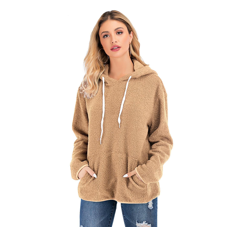Europäische und amerikanische Frauen ursprüngliche Design-Modelle 2019 Herbst und Winter mit Kapuze Pelzmantel Langarm-T-Shirt