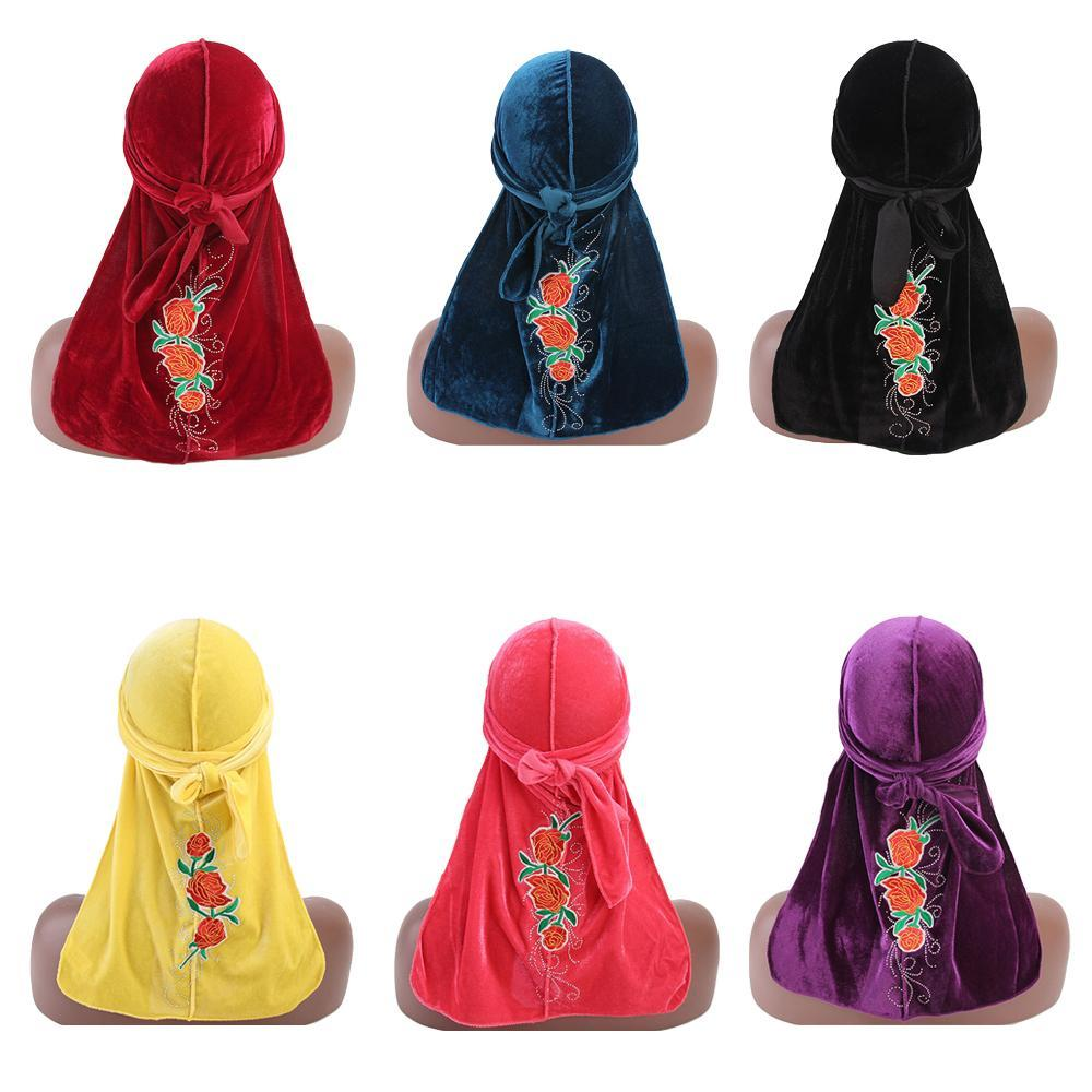 Frauen Muslim Bandanas Cap Kopftuch Velvet Stickerei Blumen Pailletten Long Tail Tuban Naher Osten Piratenhut Islamische Beanie Cap