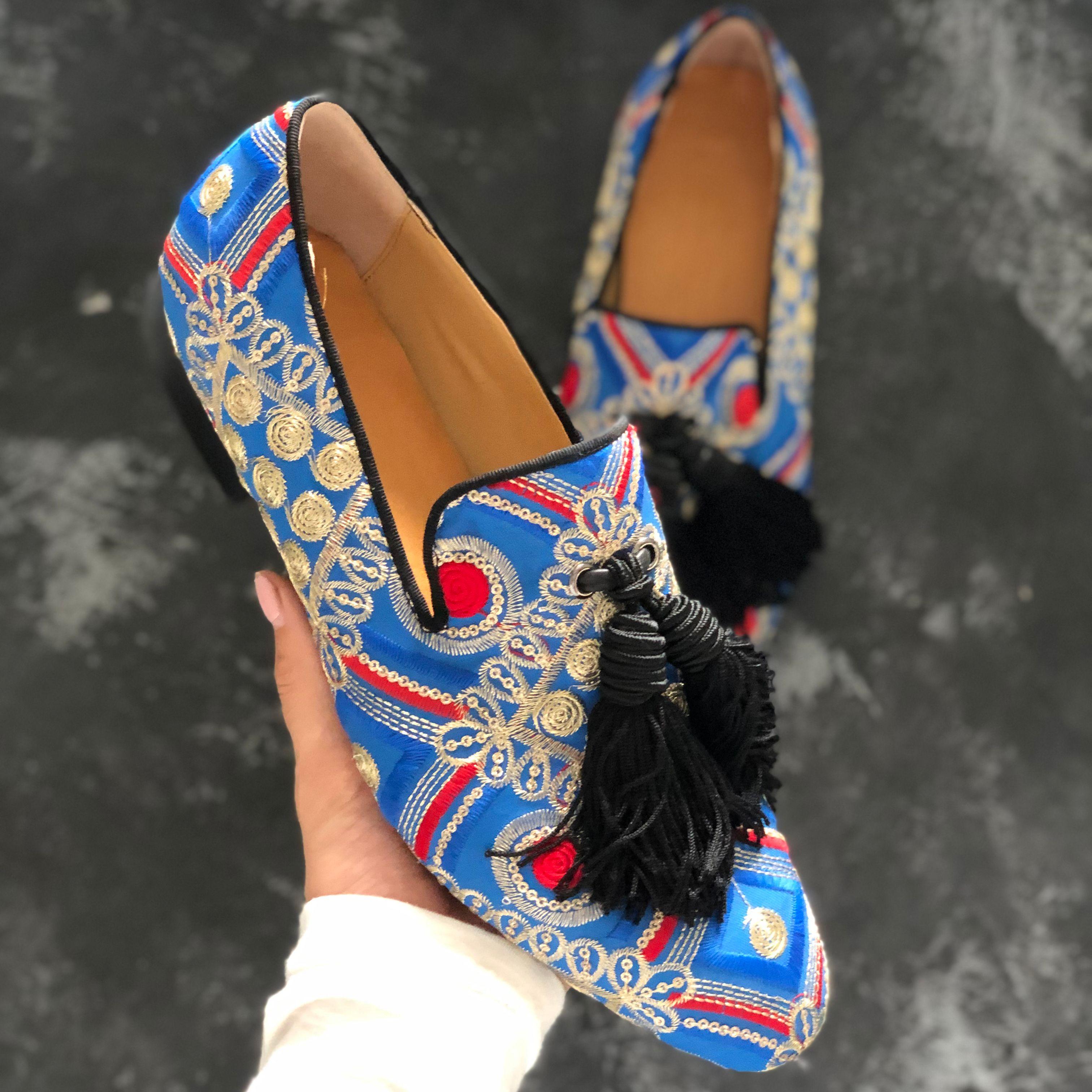 Bordado colorido borla fringe mocassins para homens sapatos baixos tamanho grande euro 38-46 homens sapatos de casamento vestido