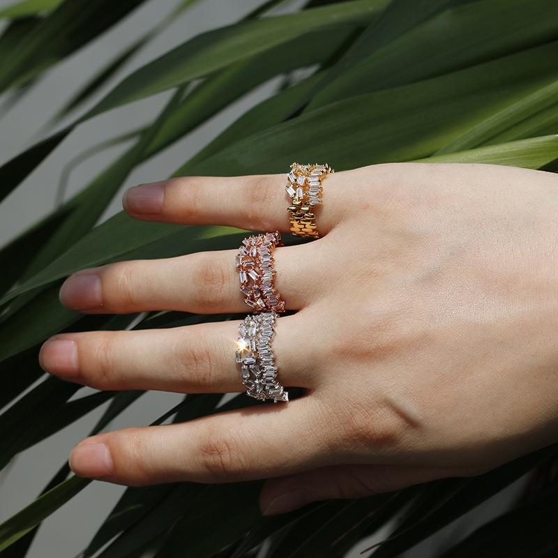 Königin Lotus 2018 Art und Weise unregelmäßige geometrische Ringe für Frauen-justierbare Finger-Ring-Hohl Kristall-Ring Cubic Schmuck