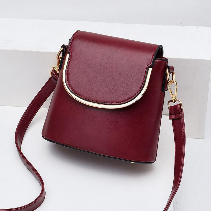 Semplice Borsa Secchiello Femminile 2020 New Wave Primavera E Gas Summer Fashion selvaggia Ins estera netta Red Shoulder Bag Messenger femminile