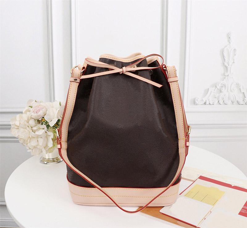 PETIT NOE NM حقائب اليد دلو المحافظ أزياء المرأة الكتف المحافظ CROSSBODY L زهرة حقيبة نمط السيدات