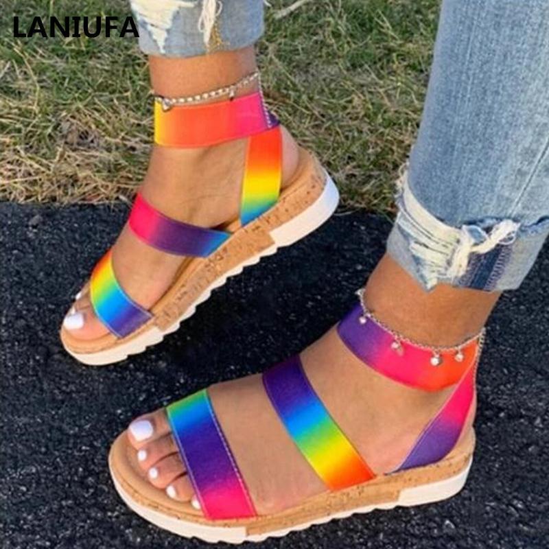 Женщины сандалии обувь женщины дышащий Комфортные Покрытием Бич квартиры Walking Сандалии Повседневная обувь Mujer плюс размер 35-43