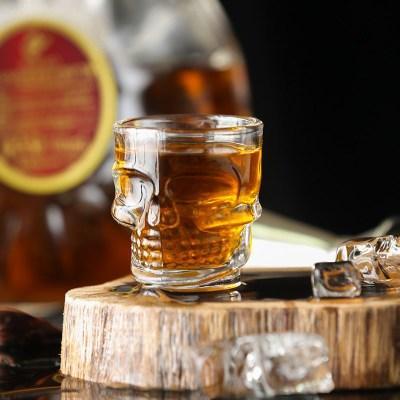 Прозрачное стекло Питьевая чашка Творческий Кристалл Череп Глава Водка Вино выстрел Чашки Скелет пирата Пиво стекла Кружки EEA1088-11