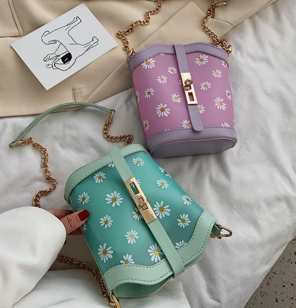 Translúcido pequeno saco 2020 nova onda de moda selvagem Ins Mensageiro Designer Bag cadeia feminina Bucket Bag Drop Shipping