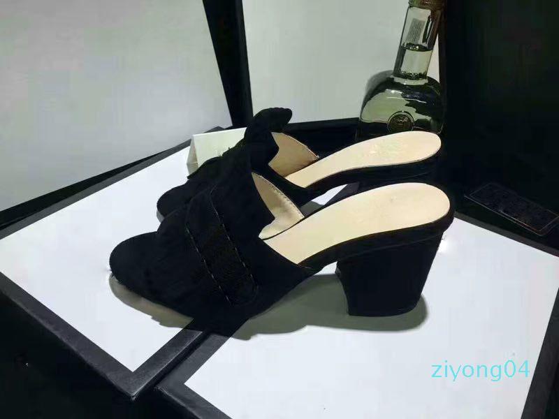 YENİ Avrupa Marka Moda Kaymaz yaz Huaraches terlik flip flop İYİ terlik QUALITY35-40 Z04 nedensel sandaletler mensstriped