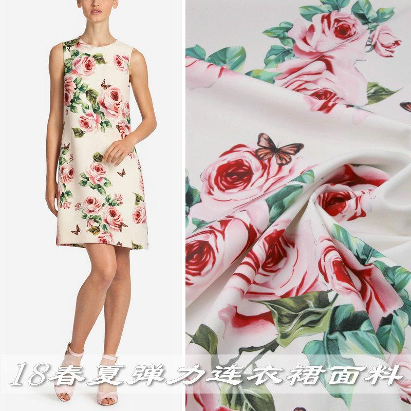 Spectacles Printemps et Automne Nouveau Papillon Rose Imprimer Tissu Habillement Drawable Robe main Shirt Tissu satin Tissu Mode