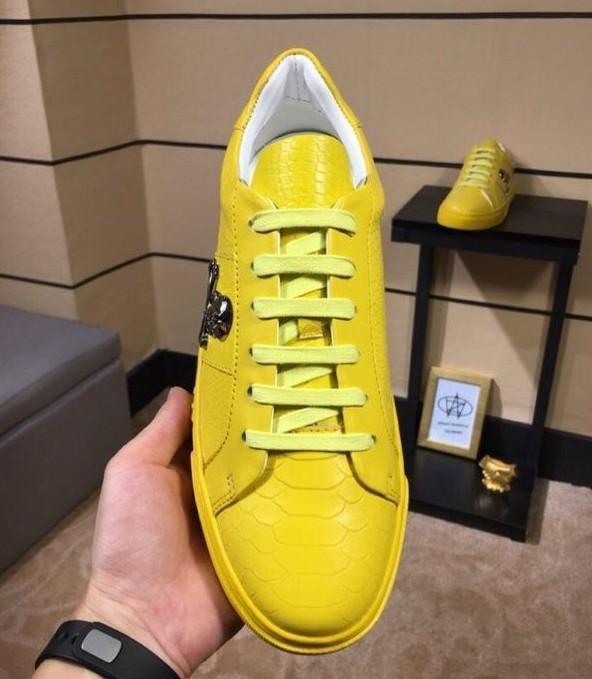 2019 de haute qualité Top Luxury Designer Flats Hommes célèbres chaussures de mode de style Chaussures en cuir véritable pour hommes Souliers simple 38-45Z10