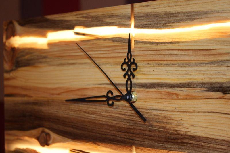 Iluminado decorativo de madera Reloj