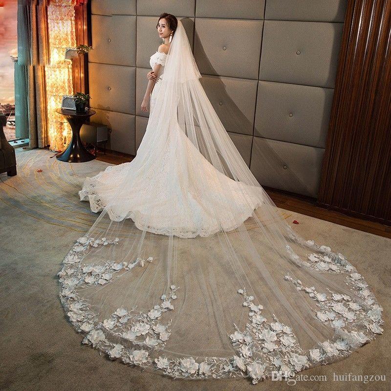 2019 결혼식 신부 베일 대성당 길이 3D 꽃 아플리케 2 개의 층 주문을 받아서 만들어진 백색 상아 빛 빗을 가진 신부 부속품