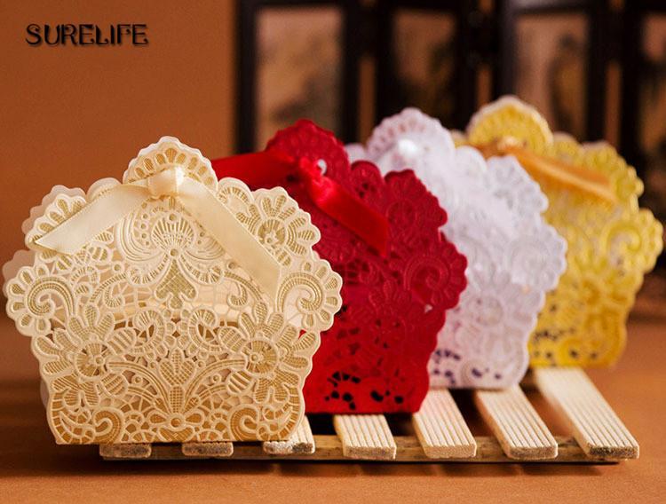 50pcs / lot style européen creuser la dentelle boîte de mariage boîte de bonbons cadeau bonbonnière boîtes de faveur de mariage