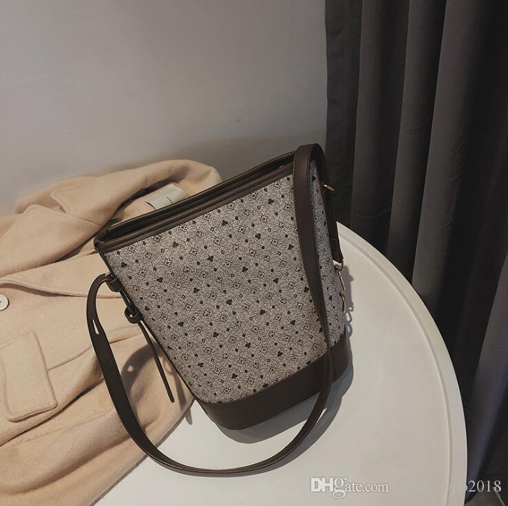 Factory wholesale women handbag new printing women bucket bag elegant atmosphere leather shoulder bag casual Joker shoulder Messenger bag