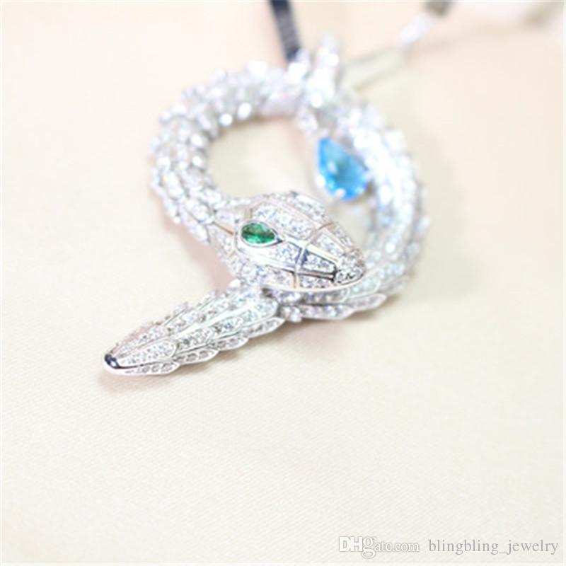 Nuovo stile europeo e americano moda serpente collana lunga catena di abbigliamento catena femminile personalità moda serpente a forma di gioielli ciondolo