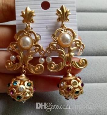 Mode niedrigen Preis hohe Qualität Großhandel 2 Paare / lose Diamant Perle Blume Dame Bankett Party Ohrringe up-market 11.52 n